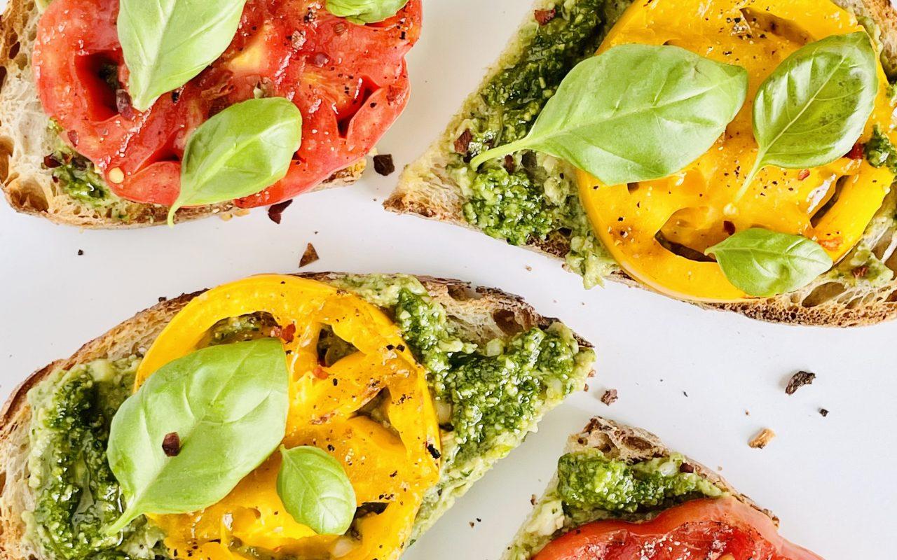 Grilled Tomato & Pesto Summer Sammies